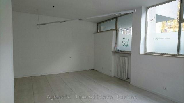 Attivita commerciale in affitto locazione bolzano gries for Appartamenti in affitto arredati a bolzano