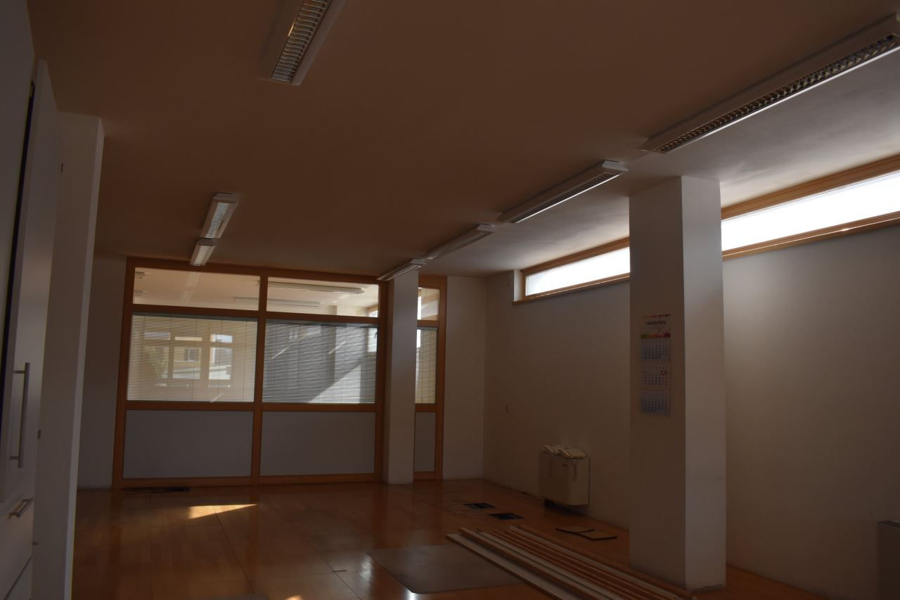 Ufficio in affitto locazione bolzano piani rencio uffici for Ufficio affitto